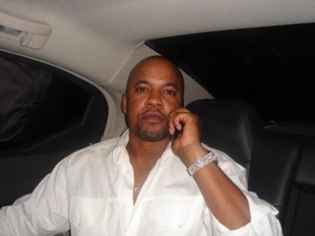 В Голливуде застрелили бывшего продюсера Тупака (2011) [INFO Sekira Bro.]