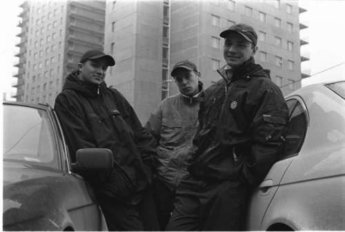 """Влади (Каста) feat. Мук (Бланж) — Live / г. Москва, Свалка, """"Рэп Ёлка"""" / 30.12.2001 г. [INFO Sekira Bro.]"""