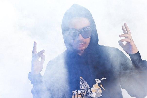 Смоки Мо — LIVE (Полная версия) / г. Владивосток, клуб Звезда / 27 июля 2013 г. [INFO Sekira Bro.]