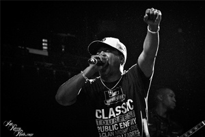 "Talib Kweli & Chuck D в рамках нового эпизода ""People's Party"" говорят о Public Enemy, Flavor Flav и 2Pac."