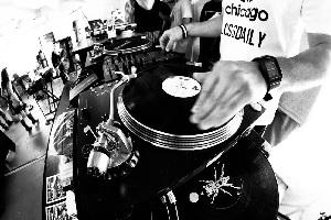 DJ Yocchi.