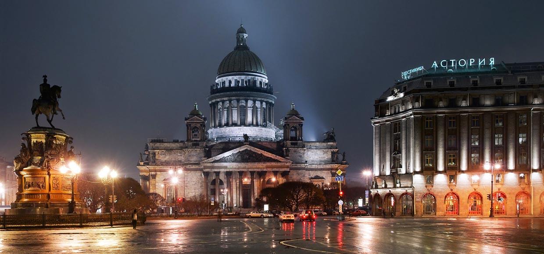 Отражения Санкт-Петербурга.